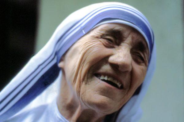 Dia 4 de setembro: canonização de Madre Teresa de Calcutá