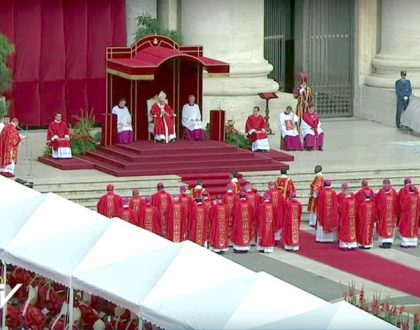Papa abençoou os Pálios na festa de São Pedro e São Paulo